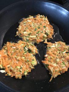 Süßkartoffel-Zucchini-Puffer