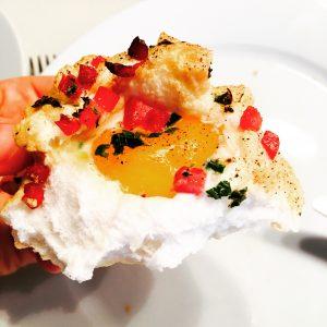 Fluffiges deftiges Ei