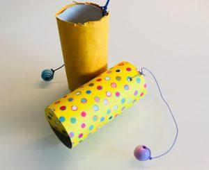 Fangspiel aus Papierrollen