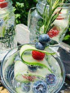 Fruchtige Getränkespieße
