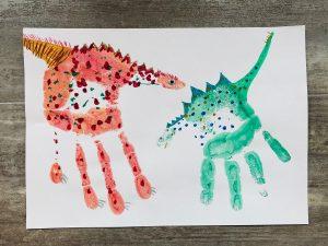 Dinos aus Handabdrücken